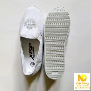 Giày bata vải xỏ XP trắng